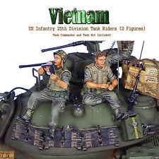 VN025 US 25th Infantry Tank Riders - Loading Cartridges/Playboy by First Legion