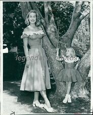1949 Women's Fashion Woman/Girl in Matching Dresses Original News Service Photo