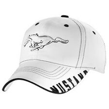 WHITE MUSTANG HAT WITH RUNNING HORSE LOGO ON FRONT