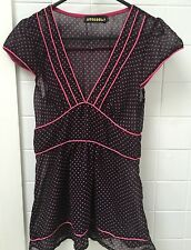 Mooloola Size 8 Sheer Fitted Black With Pink Spot Business Work Top EUC