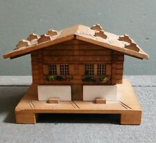 VINTAGE SWISS MADE MUCIS BOX CHALET NICE CARVED DESIGN PLAYS HAPPY WANDERER