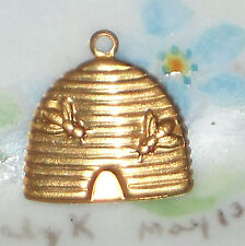 #1462L Vintage Honey Bee Hive Charm Stamping Finding Brass Jewelry Antique Gold