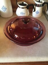 CORNING WARE PYREX VISIONS CRANBERRY 2 1/2 QT RIBBED CASSEROLE V-33-B+LID   901