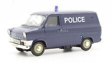 VANGUARDS 1:43 VA06605 CUMBRIA POLICE FORD TRANSIT VAN MKI
