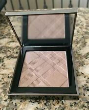 Burberry Fresh Glow Luminous Highlighting Powder # 02 Golden Radiance