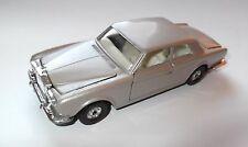 Rr rolls royce Corniche coupé dans silver rosé, CORGI 1:36 > 1:43/14,5 CM!