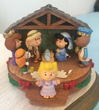 SNOOPY PEANUTS CHARLIE BROWN HALLMARK CHRISTMAS NATIVITY MUSIC BOX 2006