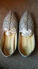 Men's Used Size 7 Grey Asian Indian Genie Embroidered Silver Pointy Shoes Used