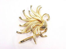 Vintage Crown Trifari Thistle Flower Pin Gold Tone Metal High Detail Excellent