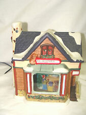 CHRISTMAS HOLIDAY STYLE  VILLAGE 3 D  DOLLAR GENERAL STORE LIGHTED IN BOX CORD