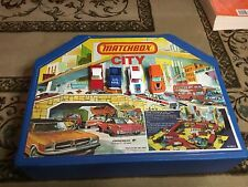 VINTAGE 1976 LESNEY MATCHBOX CITY PLAY SET WITH 4 1970S LESNEY CARS SWEET DEAL!!