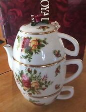 Royal Albert OLD COUNTRY ROSES  Tea For Two (Teapot w/ two Cups)