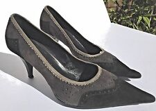 Vera Gomma Black/Gray Trim Suede Leather Pointed Toe Kitten Heel Flats Size 7