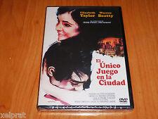 THE ONLY GAME IN TOWN / EL UNICO JUEGO DE LA CIUDAD - English Español - Precint