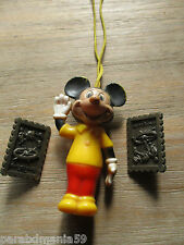 Mickey-Lot ancienne figurine année 60+2 pin s 3d