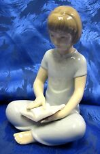 MY FAVORITE TALE - GIRL SITTING READING A BOOK NAO BY LLADRO  #1834