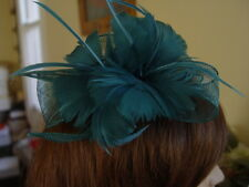 STUNNING EMERALD GREEN LOVISA SINNAMAY  FASCINATOR WITH FEATHER FLOWERS