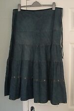 GREAT QUALITY TIERED GYPSY DESIGN DENIM SKIRT BRONZE DISCS DETAIL SIZE UK 20