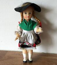 """VINTAGE SENZA CONFEZIONE IN PLASTICA bambola personaggio 6.5"""" con lunghi capelli intrecciato e con cappello"""