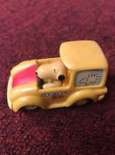 Charlie Brown Peanuts Snoopy Dog Car Snoopy's Taxi Aviva Toy Friction Hong Kong