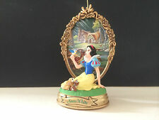 "HALLMARK USA KEEPSAKE ORNAMENT: ""WALT DISNEY'S SNOW WHITE"" FROM 1998"