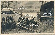 Belgien Luftwaffe-Sd.Kfz mit 8,8 cm Flak auf der Fahrt nach Fort Embourg (c327)