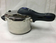 "WMF ""PERFECT PLUS"" 4.5 QUART PRESSURE COOKER W/ INSERT GERMANY DISPLAY SAMPLE"