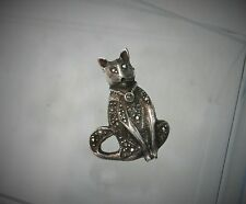 """Vintage 15/16"""" Sterling Silver Marcasite Stately Kitty Cat Brooch Pin"""