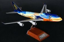 BBOX2522 Singapore Airlines B747-400 Tropical 9V-SPL BBOX 1:200 diecast model