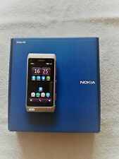 Nokia  N8-00 - 16GB - Silver White (Ohne Simlock) Smartphone