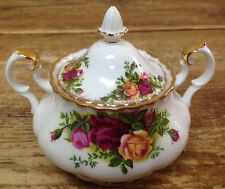 Covered Sugar Bowl Royal Albert Old Country Roses Red Yellow Fluted England Gold