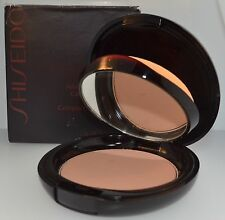 Shiseido Advanced Perfomance Compact Foundation  P2 Natural Light Pink SPF10