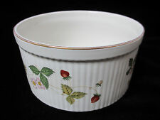 """Wedgwood Wild Strawberry Souffle Dish 6.75"""" Great Condition!"""