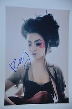 FiFi Rong from China signed 20x30cm Sexy Foto ,  Autogramm / Autograph in Person