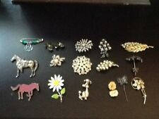17 Pc VINTAGE ESTATE BROOCH PIN LOT FLOWERS LEAFS CABS RHINESTONE  all excellent