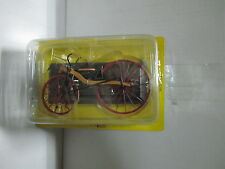BIC005 - MACMILLAN TREADLE DRIVEN BICYCLE 1840 - BICICLETA ESC.-1:15 - DEL PRADO