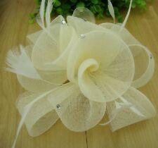 Fascinator Ansteckblume Blume Federn Strass Haarschmuck IVORY Haarclip Brosche