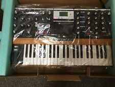 Moog Minimoog Voyager PERFORMER EDITION Analog Synth V3,in box //ARMENS