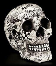 Totenkopf mit Verzierungen schwarz weiß - Abstraction - Schädel Figur Deko Kunst