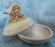 VINTAGE ENESCO EASTER EGG with MOTHER BUNNY RABBIT & BABY TRINKET BOX #E-4700