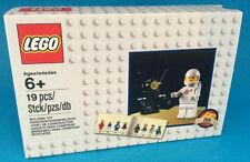 LEGO 5002812 Classic Cosmonaut/Spaceman Promo Exclusive Minifig & Benny Poster