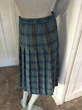 size 22 pure new wool made in Scotland pleated vintage skirt