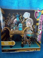 Monster High * Vanity Cleo De Nile * Lots of Accessories * MIB