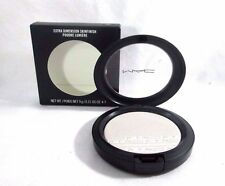MAC Extra Dimension Skinfinish (Soft Frost)   9 g /0.31 US OZ