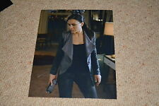 MAYA STOJAN signed Autogramm 20x25 cm In Person AGENTS OF S.H.I.E.L.D.
