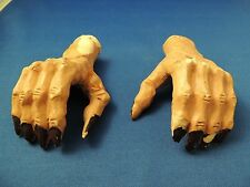 2 Resin Hands Witch Vampire Mummy Zombie Halloween Decor Party Accessory