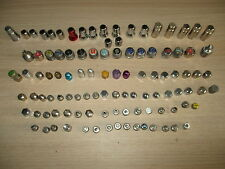 COLECCION DE TAPONES ANTIGUOS DE COCHE Y FUNDAS / CAR PLUGS AND CASES COLLECTION