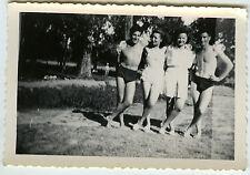 PHOTO ANCIENNE - VINTAGE SNAPSHOT - COUPLE TORSE NU AMOUREUX SLIP - LOVERS