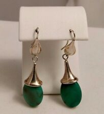 ROBERT LEE MORRIS STUDIO STERLING SILVER CHRYSOPRASE HOOKED EARRINGS.