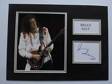 BRIAN MAY - QUEEN - SUPERB SIGNED DISPLAY - SIGNING DETAILS COA